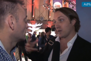 [AtMostTV] Video-interview Chad Hurley co-founder YouTube 'Just sharing experiences' #businessboost