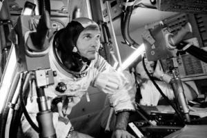 [Event] 'Maanlandingsheadset Neil Armstrong na 50 jaar tentoongesteld'