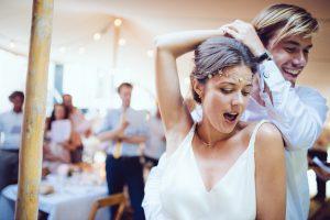 [Opvallend] 'Dansen op een bruiloft: RIVM staat toe, maar de gemeenten niet'